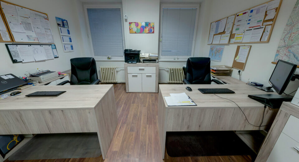pracovníci v kancelárii